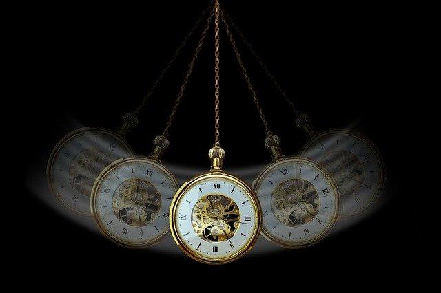 Gibt es ein Leben nach dem Tod. Bild einer Uhr.