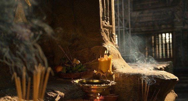 Räucherstäbchen – Wohlgerüche für Geist und Seele