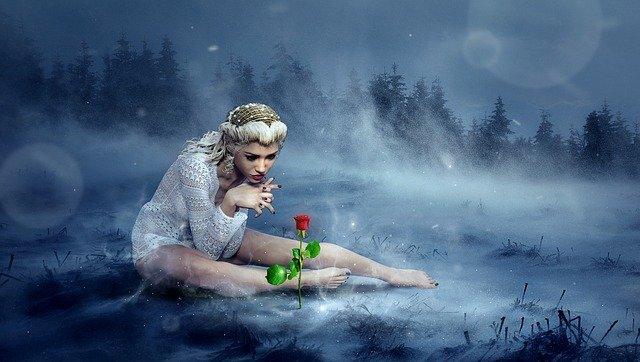 Richtige Zaubersprüche. Titelbild. Frau im Schnee mit Rose.